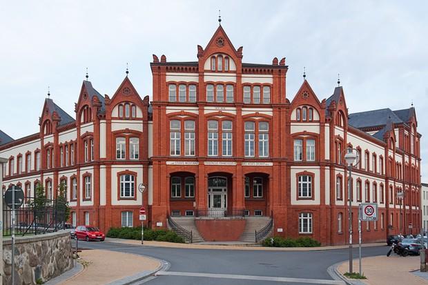 Những ngôi trường cổ kính bậc nhất thế giới với lối kiến trúc hoàng gia khiến ai cũng muốn một lần đặt chân đến - Ảnh 6.