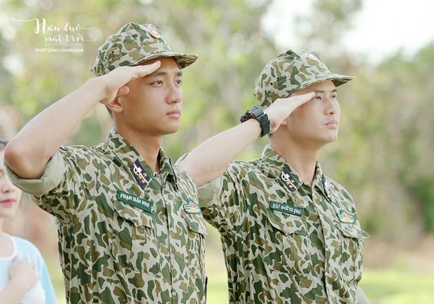Hậu Duệ Mặt Trời bản Việt trước ngày lên sóng: Ảnh trang phục quân nhân vừa được tiết lộ - Ảnh 2.
