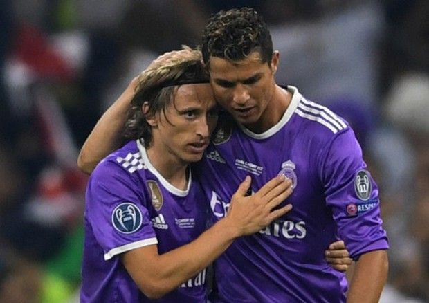 HLV Juventus giải thích lý do Ronaldo không đến dự Gala The Best - Ảnh 1.