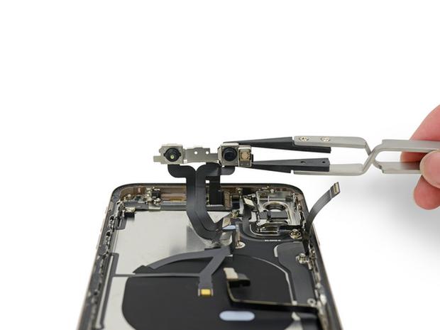 Chuyên gia về pin khen cách đặt pin của iPhone XS cực kỳ thông minh - Ảnh 5.