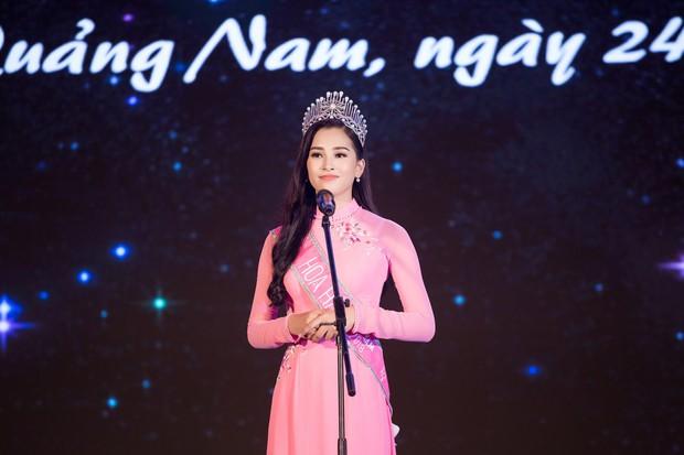 Đăng quang Hoa hậu Việt Nam 2018, Trần Tiểu Vy được UBND tỉnh Quảng Nam tặng giấy khen - Ảnh 2.
