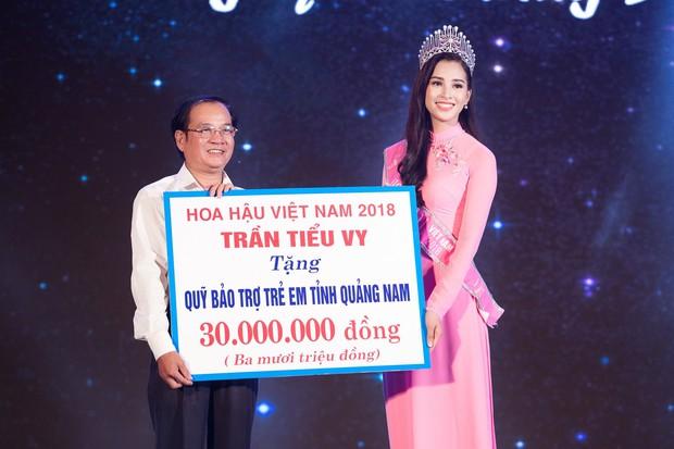 Đăng quang Hoa hậu Việt Nam 2018, Trần Tiểu Vy được UBND tỉnh Quảng Nam tặng giấy khen - Ảnh 5.