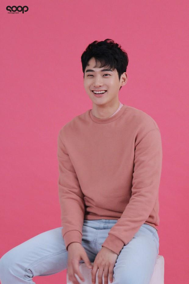 Mỹ nam siêu điển trai gây tiếc nuối vì tự lỡ duyên với cả Kim Yoo Jung lẫn Kim So Hyun - Ảnh 7.