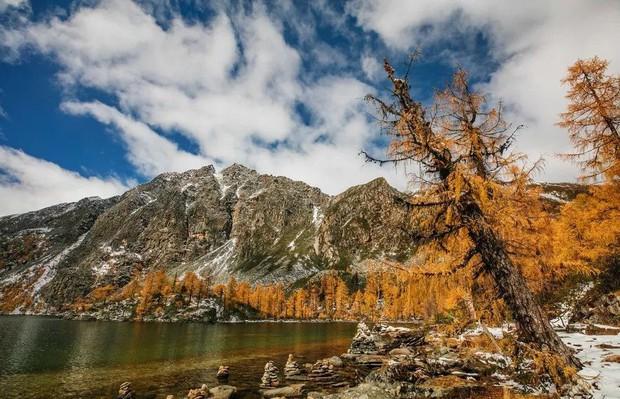 Những ngôi làng cổ cảnh sắc đẹp mê hồn nhất định phải ghé thăm vào mùa thu ở Trung Quốc - Ảnh 11.