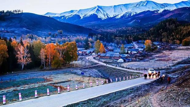 Những ngôi làng cổ cảnh sắc đẹp mê hồn nhất định phải ghé thăm vào mùa thu ở Trung Quốc - Ảnh 7.