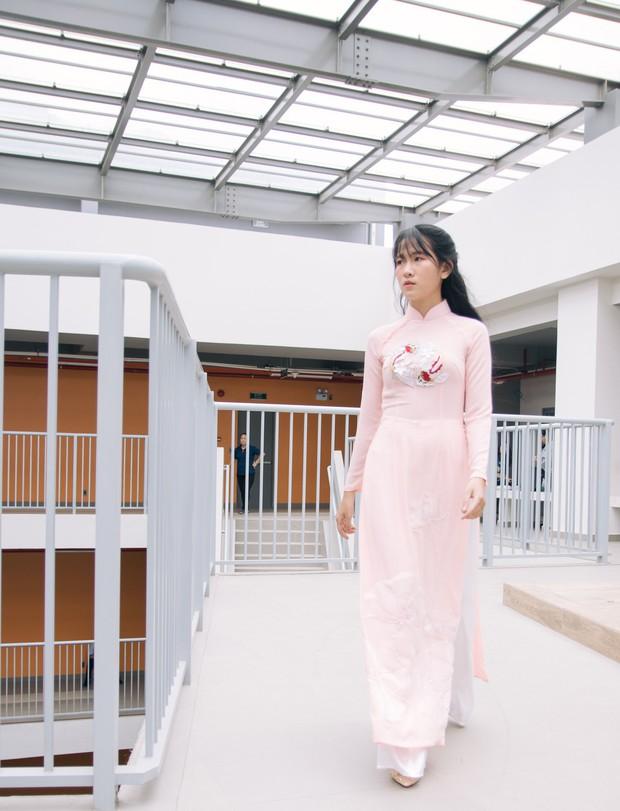 Ngắm bộ sưu tập áo dài cực chất trong đồ án tốt nghiệp của sinh viên mà cứ ngỡ lạc vào Vietnam International Fashion Week - Ảnh 5.