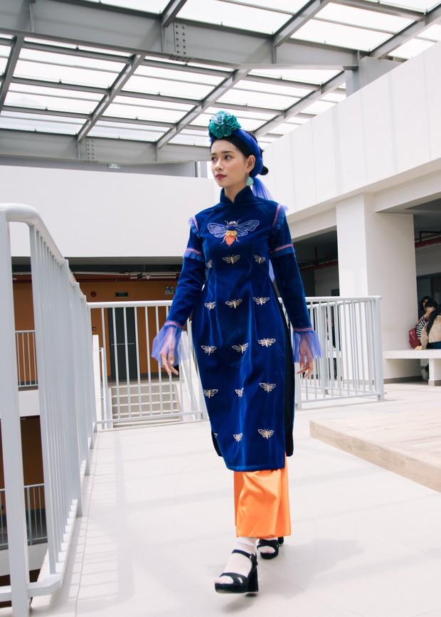 Ngắm bộ sưu tập áo dài cực chất trong đồ án tốt nghiệp của sinh viên mà cứ ngỡ lạc vào Vietnam International Fashion Week - Ảnh 7.