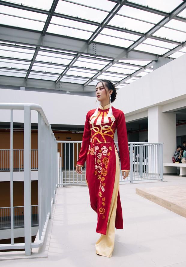 Ngắm bộ sưu tập áo dài cực chất trong đồ án tốt nghiệp của sinh viên mà cứ ngỡ lạc vào Vietnam International Fashion Week - Ảnh 13.