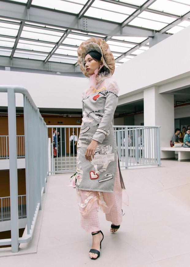Ngắm bộ sưu tập áo dài cực chất trong đồ án tốt nghiệp của sinh viên mà cứ ngỡ lạc vào Vietnam International Fashion Week - Ảnh 15.