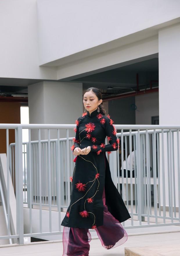 Ngắm bộ sưu tập áo dài cực chất trong đồ án tốt nghiệp của sinh viên mà cứ ngỡ lạc vào Vietnam International Fashion Week - Ảnh 36.