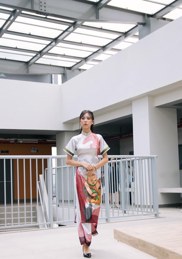 Ngắm bộ sưu tập áo dài cực chất trong đồ án tốt nghiệp của sinh viên mà cứ ngỡ lạc vào Vietnam International Fashion Week - Ảnh 33.