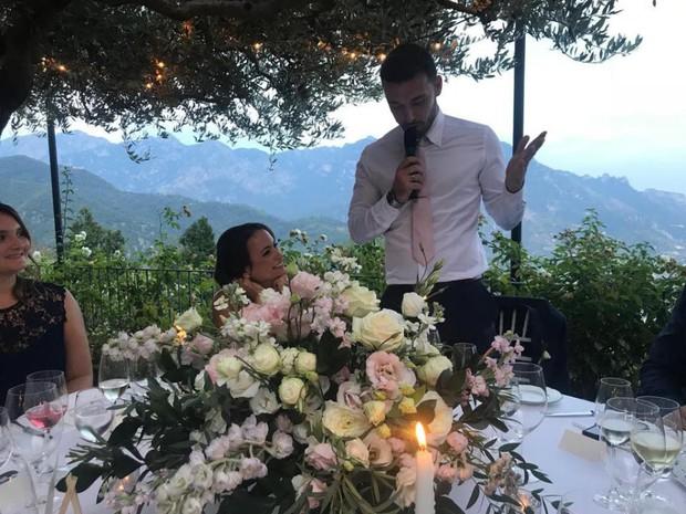 Justin Bieber và Hailey Baldwin bị bắt gặp đứng xem đám cưới người khác trước khi tổ chức hôn lễ của chính mình - Ảnh 4.