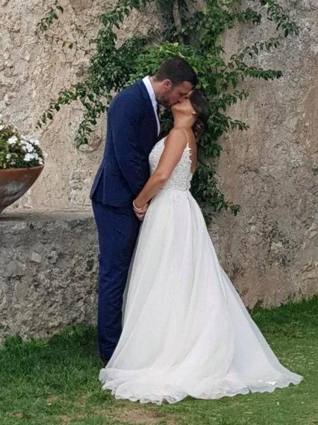 Justin Bieber và Hailey Baldwin bị bắt gặp đứng xem đám cưới người khác trước khi tổ chức hôn lễ của chính mình - Ảnh 3.