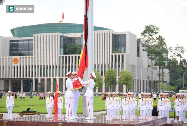 Lễ viếng Chủ tịch nước Trần Đại Quang - Ảnh 3.