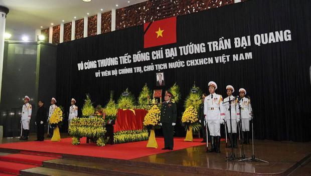 1.500 đoàn với khoảng 50.000 người đến viếng cố Chủ tịch nước Trần Đại Quang - Ảnh 2.