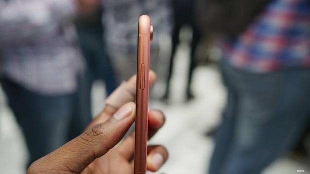 iPhone XR được dự đoán bán chạy hơn cả XS và XS Max - Ảnh 20.