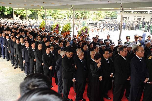 Lễ viếng Chủ tịch nước Trần Đại Quang - Ảnh 6.