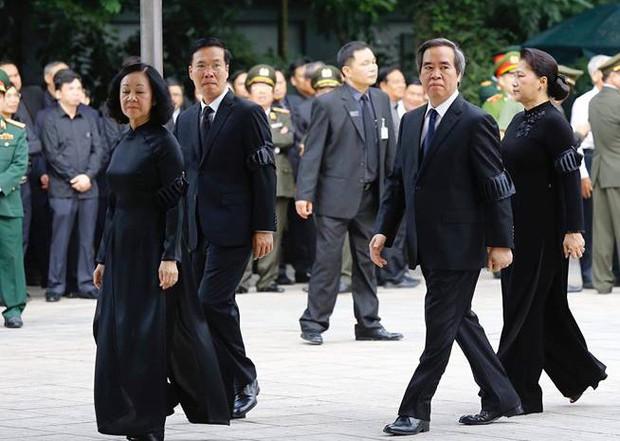 Lễ viếng Chủ tịch nước Trần Đại Quang - Ảnh 7.