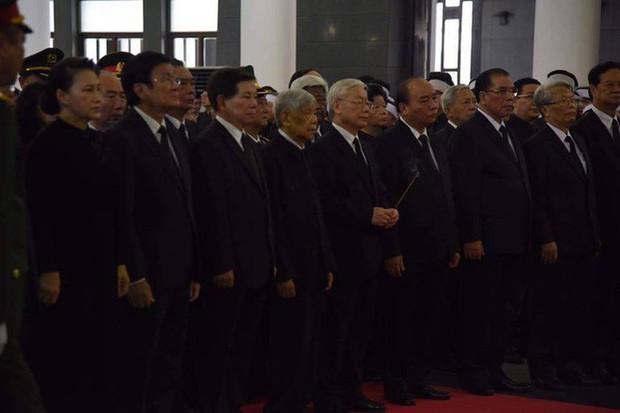 Lễ viếng Chủ tịch nước Trần Đại Quang - Ảnh 9.