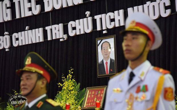 1.500 đoàn với khoảng 50.000 người đến viếng cố Chủ tịch nước Trần Đại Quang - Ảnh 1.