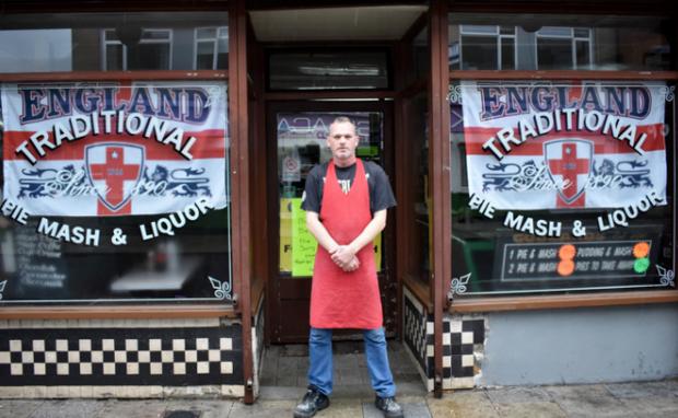 Anh: Cửa hàng ăn uống truyền thống 128 năm tuổi đóng cửa vì... mốt ăn kiêng - Ảnh 2.