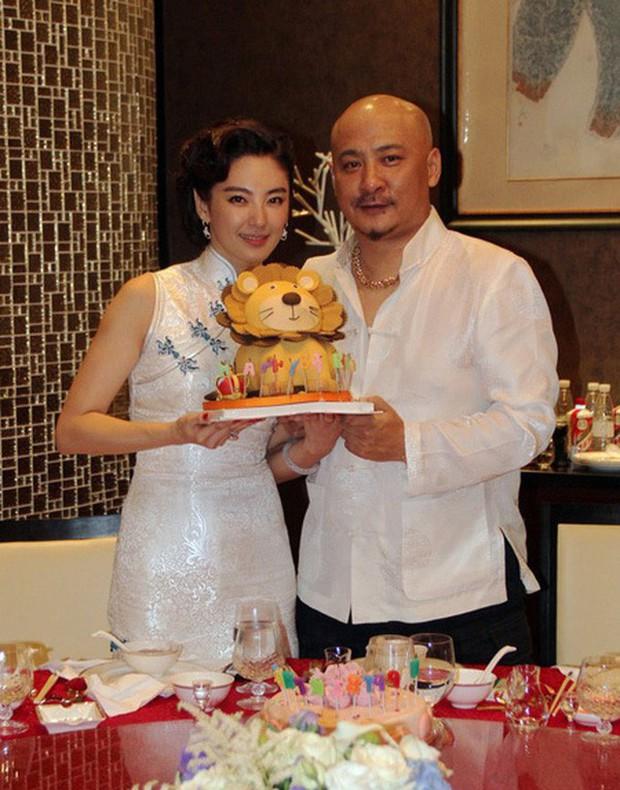 Song Hye Kyo Trung Quốc: Nhan sắc trời ban cùng body nóng bỏng không cứu được 2 cuộc hôn nhân ê chề - Ảnh 15.
