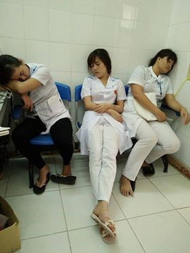 Nỗi khổ của sinh viên học ngành Y: Ăn tranh thủ, ngủ khẩn trương, ế là chuyện bình thường! - Ảnh 9.