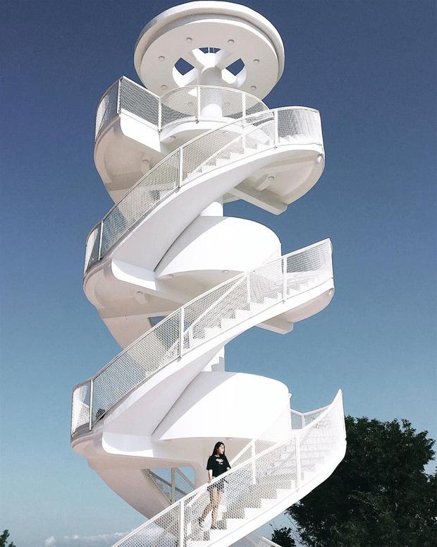 Nấc thang lên thiên đường: Địa điểm check-in mới toanh cực ảo diệu nằm ngay tại Nha Trang - Ảnh 1.