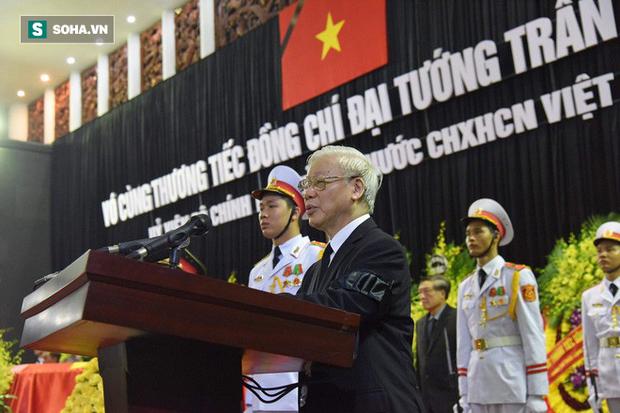 Hành trình linh xa đưa Chủ tịch nước Trần Đại Quang qua các ngõ phố Hà Nội để về quê nhà - Ảnh 2.