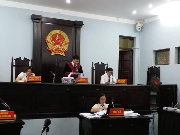 Trả hồ sơ vụ Y sĩ làm lây nhiễm bệnh sùi mào gà cho 103 cháu nhỏ ở Hưng Yên - Ảnh 1.
