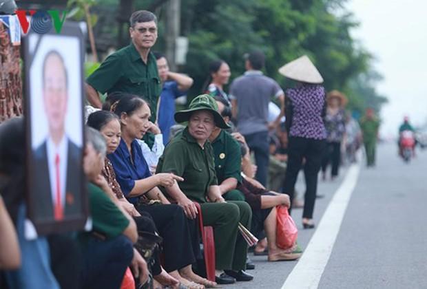 Chủ tịch nước Trần Đại Quang trở về đất mẹ - Ảnh 19.