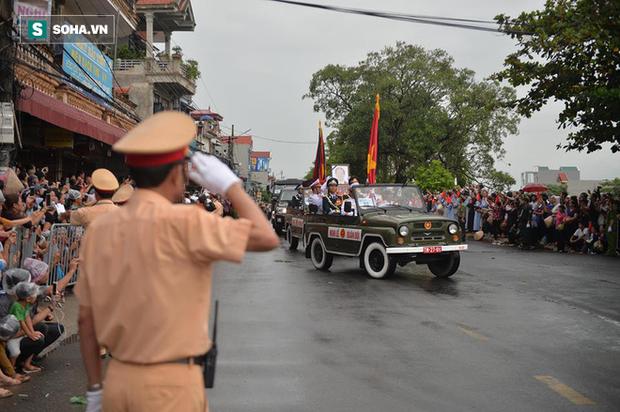 Chủ tịch nước Trần Đại Quang trở về đất mẹ - Ảnh 25.