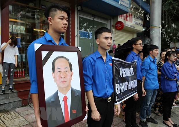 Chủ tịch nước Trần Đại Quang trở về đất mẹ - Ảnh 33.