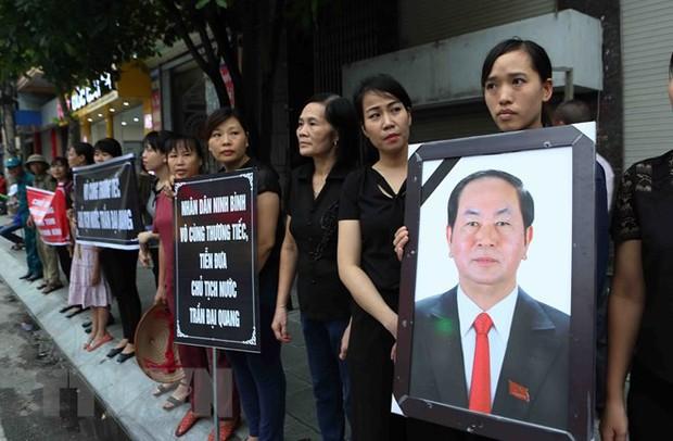 Chủ tịch nước Trần Đại Quang trở về đất mẹ - Ảnh 34.