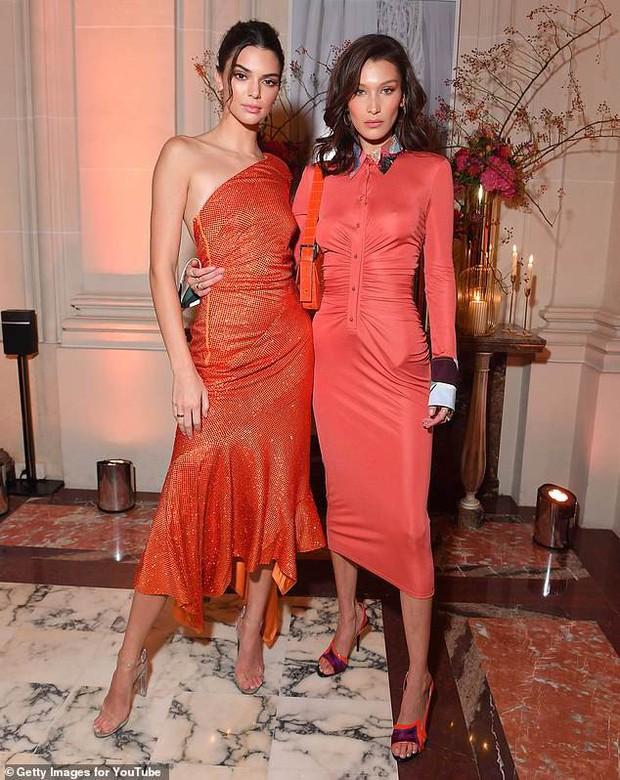 Dáng chuẩn mặt xinh, Kendall Jenner và Bella Hadid đẹp lộng lẫy chẳng khác gì búp bê tại sự kiện - Ảnh 6.