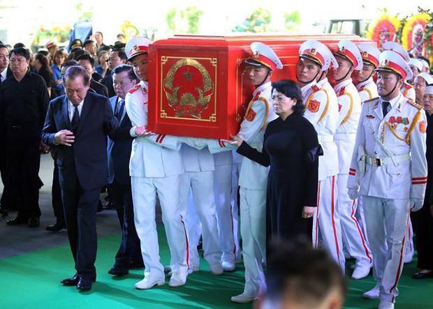 Chủ tịch nước Trần Đại Quang trở về đất mẹ - Ảnh 44.