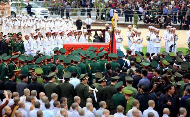 Chủ tịch nước Trần Đại Quang trở về đất mẹ - Ảnh 48.