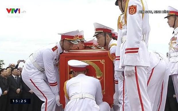 Chủ tịch nước Trần Đại Quang trở về đất mẹ - Ảnh 51.