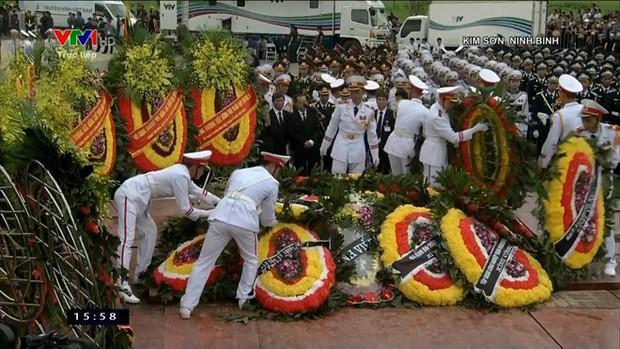 Chủ tịch nước Trần Đại Quang trở về đất mẹ - Ảnh 58.