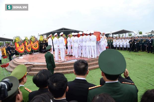 Chủ tịch nước Trần Đại Quang trở về đất mẹ - Ảnh 60.