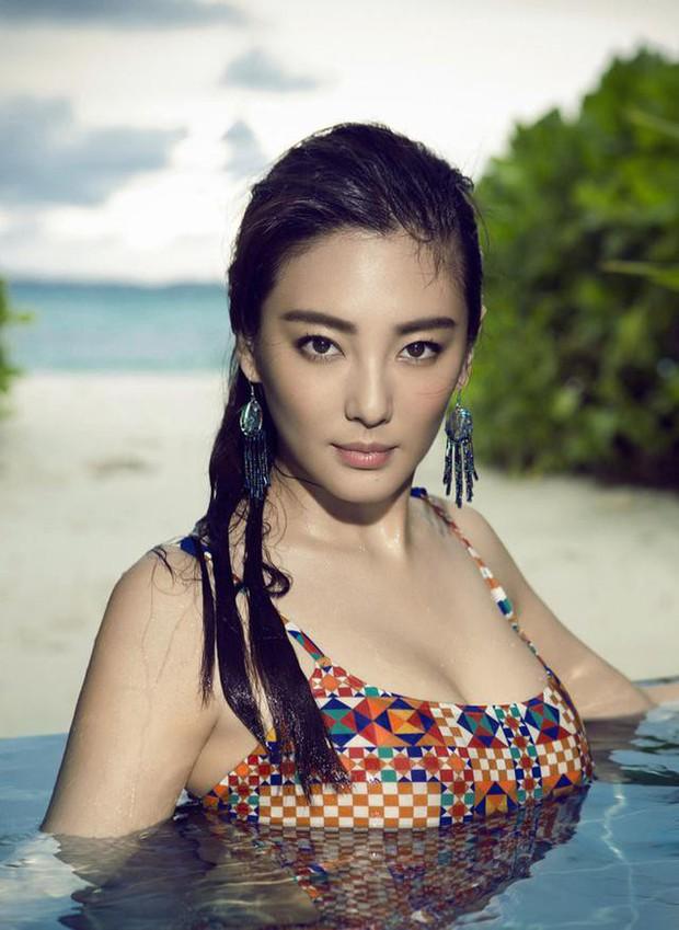 Song Hye Kyo Trung Quốc: Nhan sắc trời ban cùng body nóng bỏng không cứu được 2 cuộc hôn nhân ê chề - Ảnh 2.