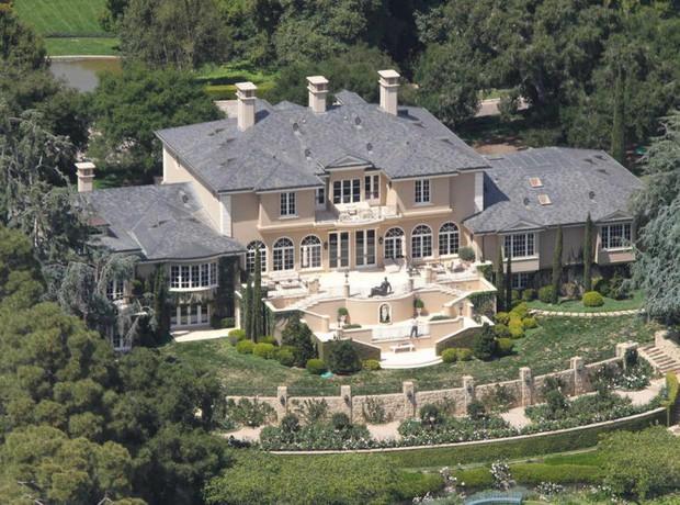 Loạt cung điện khổng lồ gây choáng ngợp của các ông vua bà hoàng Hollywood: Biệt thự cuối từng giữ ngôi đắt nhất nước Mỹ! - Ảnh 3.