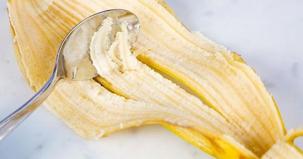 Cách làm trắng răng hiệu quả với vỏ chuối - Ảnh 2.