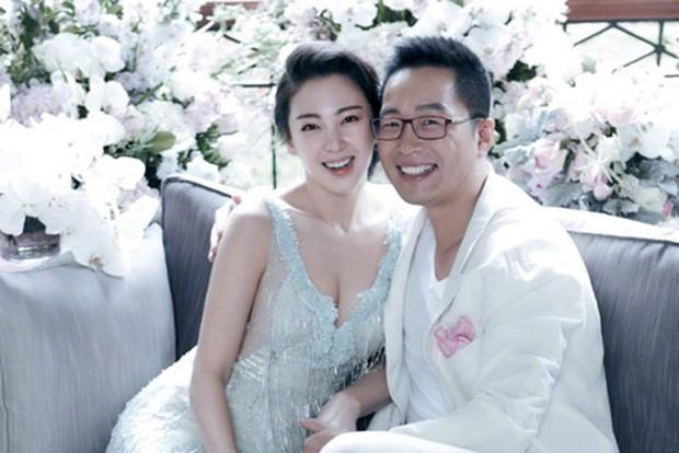 """""""Mỹ nhân ngư"""" Trương Vũ Kỳ đâm chồng CEO vì mâu thuẫn hôn nhân- Ảnh 2."""