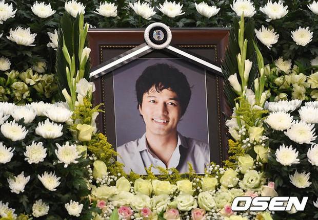 Phận đời sao Hàn từng là rich kids của tập đoàn lớn: Người hạnh phúc xa hoa, kẻ tự tử sau bi kịch liên hoàn - Ảnh 11.