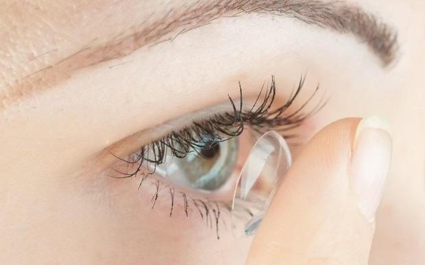 Mắt đột nhiên đỏ ngầu có thể là do 4 nguyên nhân sức khỏe mà bạn không ngờ đến - Ảnh 4.
