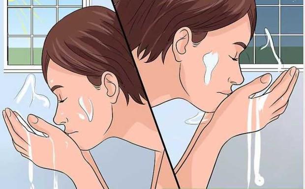 Ngày nào cũng rửa mặt nhưng hội con gái có biết mình đã rửa mặt đúng cách hay chưa? - Ảnh 1.