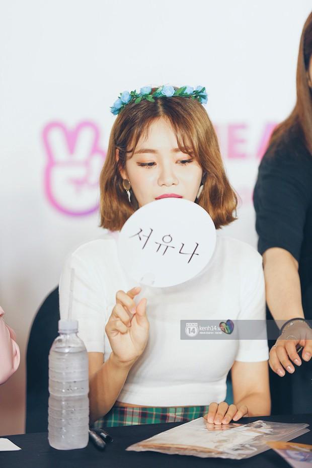 Báu vật quốc dân Seolhyun quyến rũ khó cưỡng, Hyomin rạng rỡ bên dàn chân dài AOA tại fansign ở Việt Nam - Ảnh 9.
