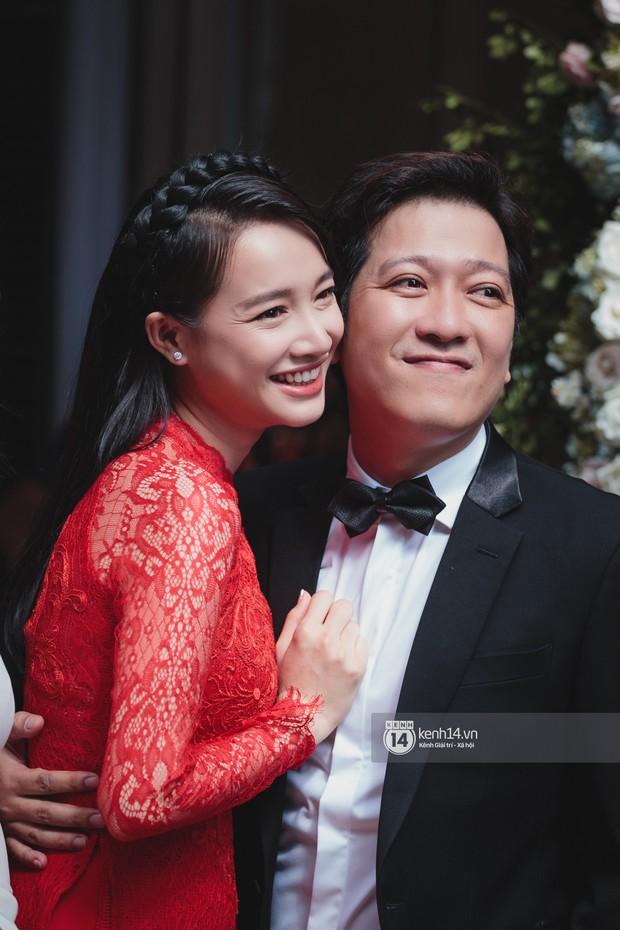 Đám cưới Trường Giang - Nhã Phương: Hàng ngàn hình ảnh ngọt ngào cũng không bằng loạt khoảnh khắc hạnh phúc đắt giá này - Ảnh 1.