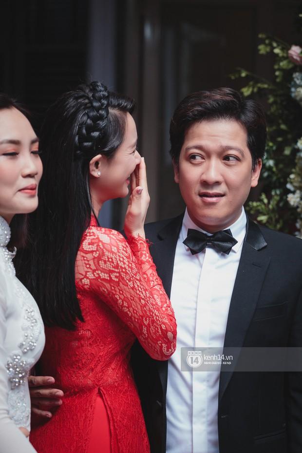 Đám cưới Trường Giang - Nhã Phương: Hàng ngàn hình ảnh ngọt ngào cũng không bằng loạt khoảnh khắc hạnh phúc đắt giá này - Ảnh 2.